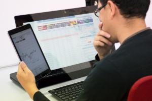 横浜市IT便利屋.com パソコンの引取り障害調査